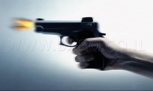 Photo of اصابة شاب من سولم بعيار ناري وجراحه بالغة الخطورة، والده يقول 'اطلقت عليه النار بالخطأ'