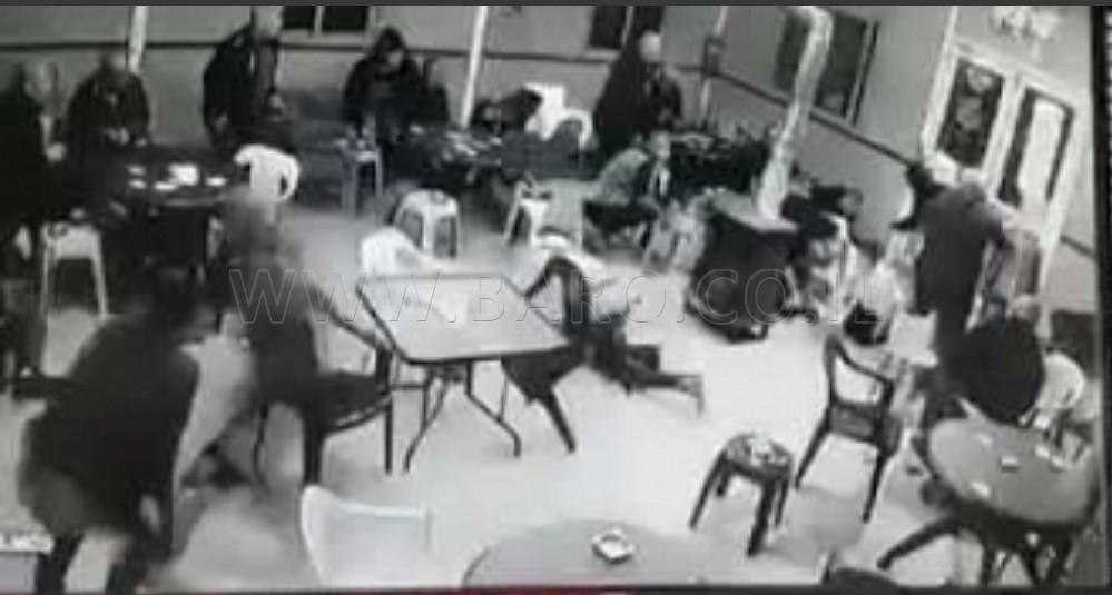 Photo of شاهدوا لحظة إطلاق النار على مقهى في زيمر