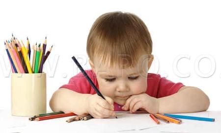 Photo of كيف أعلم طفلي مسك القلم