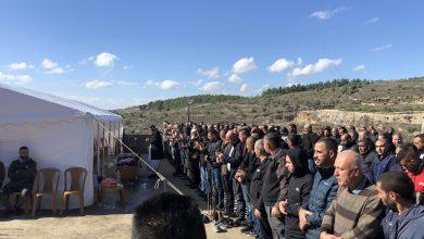 Photo of بألم شديد عرعرة: انطلاق جنازة الشاب علي اغبارية الذي جرفته السيول