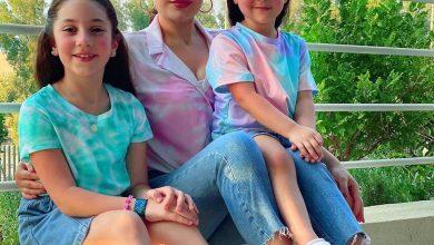 "Photo of ابنة هيفاء وهبى وحفيدتها يغنيان ويرقصان على أغنية ""بالبنط العريض""."