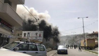 Photo of عرعرة : طواقم الاطفاء تعمل على اخماد حريق كبير في مخبز