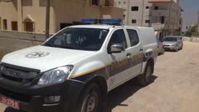 Photo of كفرقرع : اعتقال 4 شبان من كفرقرع بشبهة الاعتداء على عائلة يهودية خلال الاحداث الاخيرة