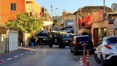 Photo of كفرقرع: الشرطة والوحدات الخاصّة تنفذ حملة إعتقالات وإغلاق شارع وسط البلدة